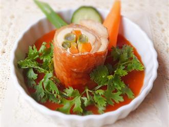 Bữa tối ngon đẹp như nhà hàng với món gà cuộn rau củ nướng thơm phức