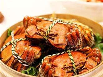 Khi hấp cua, đặt cua ngửa hay úp bụng, nhiều người làm sai nên món ăn mất ngon