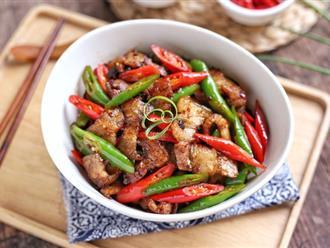 Thử làm thịt rang cháy cạnh theo cách này đi, đảm bảo cả nhà sẽ kêu ầm lên vì quá ngon miệng nên ăn cơm quá đà!