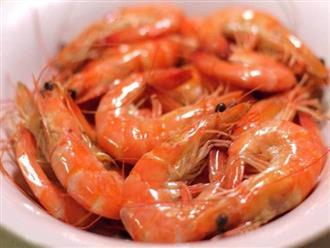 Luộc tôm dùng nước sôi hay nước lạnh, nếu làm sai chắc chắn món ăn mất ngon