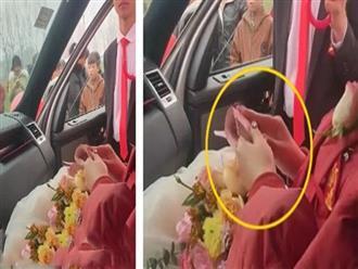 Mặc kệ chú rể và quan khách đứng ngoài chịu lạnh, cô dâu ở trong ô tô mải mê làm điều này khiến ai nấy đều phẫn nộ, khuyên nhà trai hủy hôn
