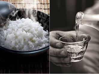 Nấu cơm sống thì đừng đổ cả nồi vào sọt rác mà hãy cho một ít rượu vào trộn với cơm theo tỷ lệ này