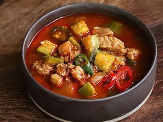 Học người Hàn nấu món canh thịt, ăn vào tiết trời mùa đông là ngon số 1!