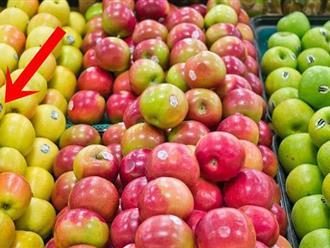 Chị em đi siêu thị nhớ để ý một mẹo nhỏ xíu này để mua được trái cây thơm ngon an toàn nhất cho gia đình