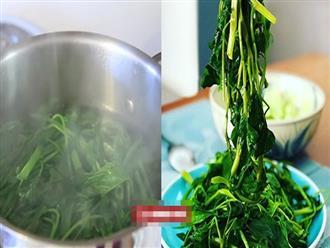 Muốn rau muống luộc xanh, giòn ngon, hãy thêm ngay 3 loại gia vị này