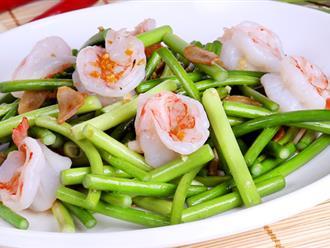 Đổi vị cho bữa trưa cuối tuần với ngồng tỏi xào hải sản