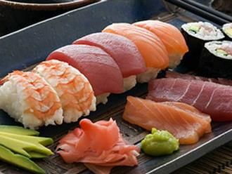 Vào nhà hàng mà mắc những sai lầm này khi ăn sushi thì thật kém sang!