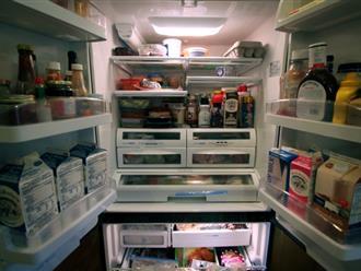 Tủ lạnh không còn ngập đồ nhờ mẹo sắp xếp và vệ sinh tuyệt vời này