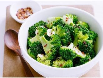 Xào súp lơ xanh đừng dại xào trực tiếp, thêm 1 bước này món ăn vừa giòn lại xanh mướt