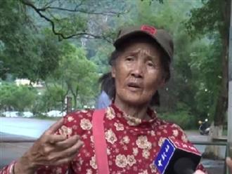 Cụ bà hơn 70 tuổi hướng dẫn khách du lịch bằng 11 thứ tiếng