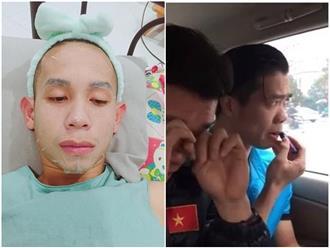 Lộ loạt ảnh cầu thủ U23 Việt Nam đắp mặt nạ, tô son dưỡng môi 'điệu' hơn cả các chị em
