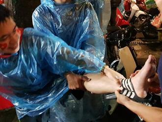 Chàng trai gặp tai nạn dở khóc dở cười khi 'đi bão' chúc mừng đội tuyển Olympic Việt Nam