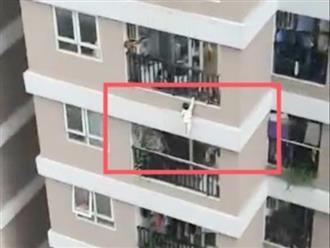 Bé gái 2 tuổi rơi từ tầng 13 chung cư xuống đất, hàng xóm đối diện hoảng loạn cầu cứu