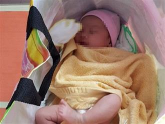 Xót cảnh bé gái 1 tháng tuổi bị bỏ rơi gần trạm xe buýt ở Sài Gòn