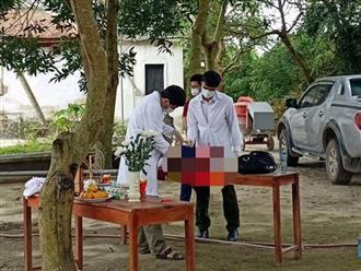 Lại phát hiện thi thể bé sơ sinh còn nguyên dây rốn bị vứt trước cổng chùa