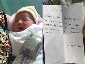 Bé gái bị bỏ trước cửa gia đình hiếm muộn, bức thư cùng đồ đạc người mẹ để lại khiến tất cả xót xa