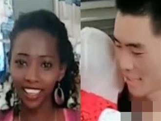 Cãi lời cha mẹ lấy vợ Châu Phi, ngày con chào đời người đàn ông lặng người không tin vào mắt mình