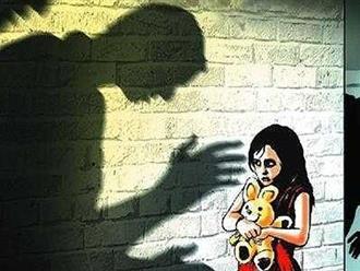 Nghi can hiếp dâm con gái ruột 10 tuổi ở Long An có nhiều biểu hiện bất thường tại cơ quan công an