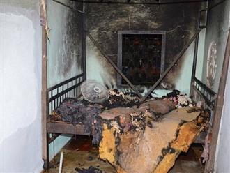 Chồng cầm dao đuổi chém vợ trong đêm, phóng hỏa đốt nhà khiến hai người thân của vợ chết cháy