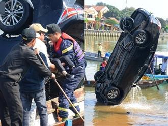 Hàng xóm nhận xét bất ngờ về người chồng lái xe chở vợ con lao xuống sông tự tử