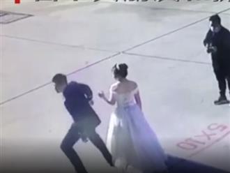 Đang chụp ảnh cưới, chú rể bỗng quay lưng bỏ đi, biết lý do ai cũng xúc động