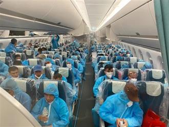 Chuyến bay chở 140 công dân Việt mắc COVID-19 từ Guinea về Hà Nội được xử lý như thế nào?