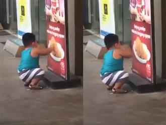 Mẹ không cho ăn đùi gà, bé trai nghĩ ra cách 'lách luật' khiến dân mạng vừa thương vừa buồn cười