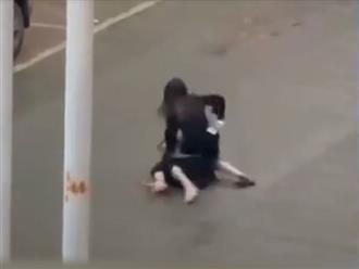 Cô gái vả liên tiếp vào mặt bạn trai ngay giữa phố: Hé lộ nguyên nhân