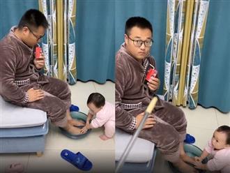 Con gái hiếu thảo rửa chân cho bố và màn 'lật mặt nhanh hơn lật bánh tráng' khi mẹ xuất hiện