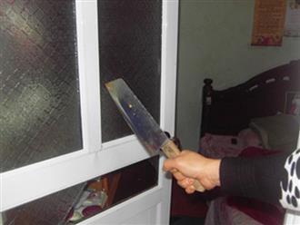 Nữ nhân viên y tế cầm dao đi đánh ghen, chặt cụt ngón tay 'tình địch'