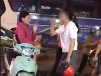 Vợ chửi bới, đánh tát bồ nhí giữa đường: 'Mày thấy tao hiền quá chứ gì'