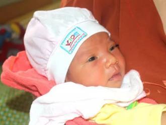 Lại phát hiện em bé sơ sinh bị bỏ rơi trước cổng chùa Tranh ở Hải Dương