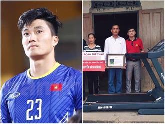 Gia đình khó khăn của thủ môn Văn Hoàng U23 được tặng máy chạy bộ khiến dân mạng bức xúc