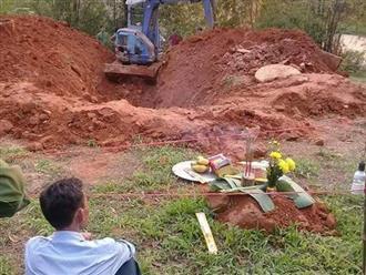 Nghe theo lời báo mộng, mẹ bàng hoàng phát hiện xác con gái dưới giếng hoang sau 2 tháng mất tích