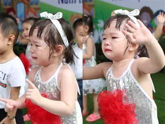 Clip bé gái mầm non vừa khóc vừa cố múa thật đúng nhịp khiến dân mạng không thể nhịn cười