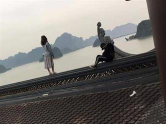 Hình ảnh nam thanh nữ tú trèo lên mái chùa chụp ảnh sống ảo khiến nhiều người bức xúc