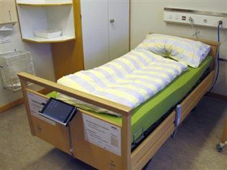 Tranh thủ lúc nữ bệnh nhân đang yếu, bác sĩ giở trò đồi bại ngay trên giường bệnh