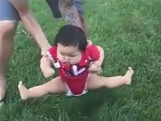 Lần đầu được ngồi lên cỏ, bé gái phản ứng cực hài khiến dân tình cười xỉu