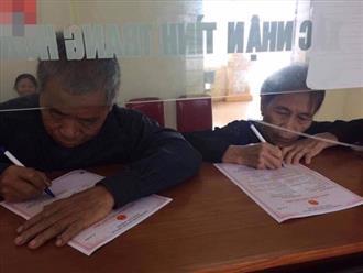 Cặp đôi 70 tuổi ở Nghệ An đi đăng ký kết hôn: 'Bà ấy thấy tôi còn đẹp trai quá nên sợ mấy cô xinh hốt mất'