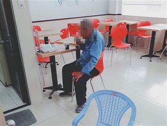 Cha già 70 tuổi bị con trai đánh chửi, đuổi đi lang thang vì không cho tiền mua quần áo