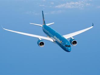 Máy bay hạ cánh cấp cứu nữ hành khách bị chảy máu ngực