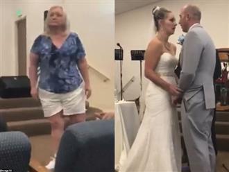 Mẹ chồng nàng dâu chửi bới nhau ỏm tỏi ở hôn lễ, thái độ của chú rể gây ngỡ ngàng