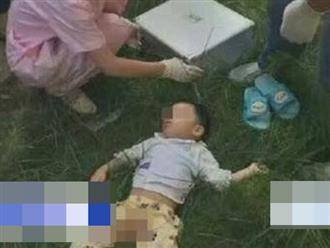 Bất cẩn khi vui chơi, em bé 5 tuổi rơi từ ban công chung cư nhà mình xuống đất tử vong