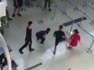 Nhóm trai đánh nữ nhân viên hàng không, gây náo loạn sân bay Thanh Hóa