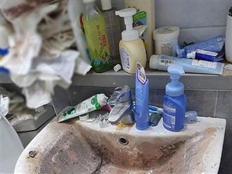 Lại xuất hiện nữ sinh viên ở bẩn kinh hoàng, băng vệ sinh dùng xong không vứt, bốc mùi hôi thối khiến dân tình 'quỳ lạy'