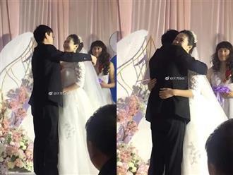 Đám cưới không có phù dâu, đôi vợ chồng quyết định mời một nhân vật đặc biệt khiến dân tình cười ná thở