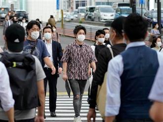 Số ca mắc COVID-19 tại Nhật Bản bất ngờ tăng lên hơn 1.000 ca mỗi ngày