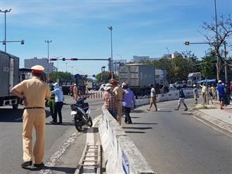 Vụ container tông chết bé trai 6 tuổi, mẹ nguy kịch ở Đà Nẵng: Tạm giữ hình sự tài xế chuyển làn ẩu, không bật đèn xi-nhan