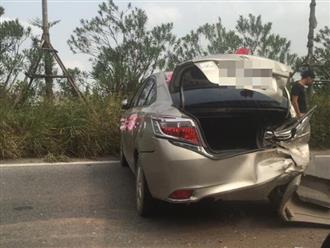 Xe rước dâu gặp tai nạn liên hoàn ở Hà Nội: Đuôi xe bị tông đến biến dạng