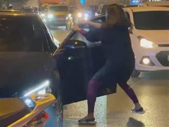 Thấy chồng mang xe 'Mẹc' cho gái, vợ chặn đường đánh ghen và cái kết tê tái cõi lòng